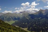 Ausblick vom Sumpfkopf (2400m) auf die Tuxer Alpen, Quelle: BMLFUW
