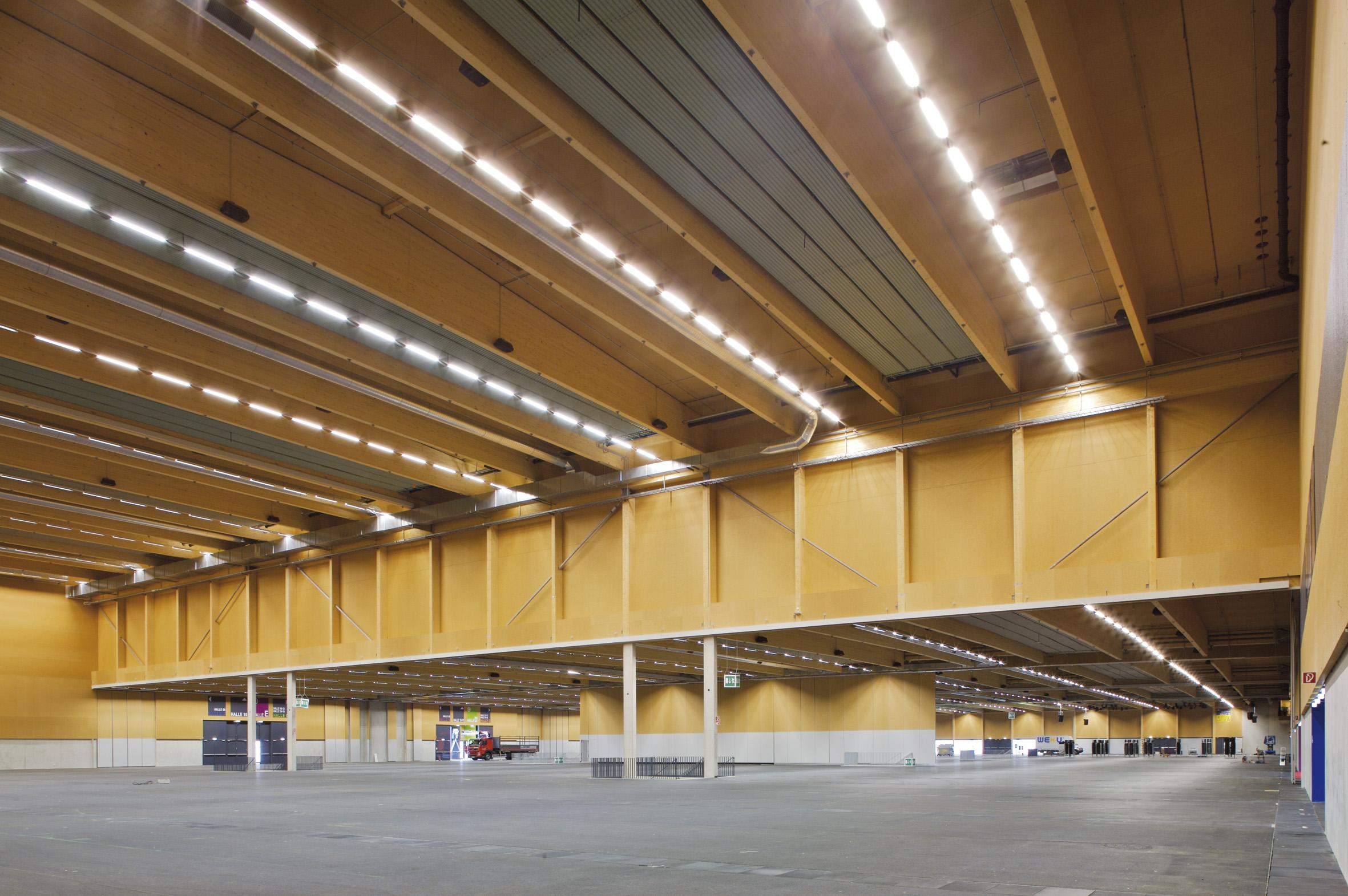 Messezentrum Wels Neu (Foto WIEHAG, Arch. AT4 Architekten ZT GmbH) (1)