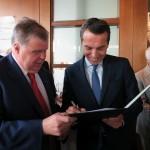 l.n.r.: proHolz Austria Obmann Offner, ÖBB Vorstandsvorsitzender Kern