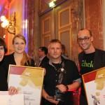 Für Austropapier nahmen Julia Löwenstein und Nina Alfons den Preis, gemeinsam mit Manfred Ergott und Christoph Meier entgegen
